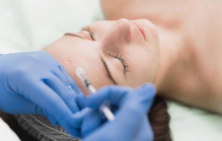 Kosmetikbehandlung Anti-Aging, France-Beauté